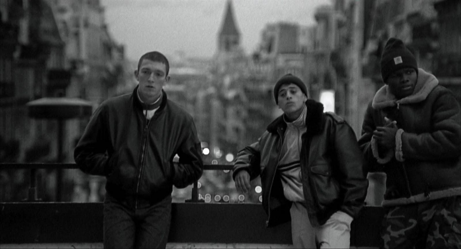 La Haine 1995 1080p BluRay DTS x264-DON_mkv_snapshot_00_50_10_[2011_10_01_19_25_47]